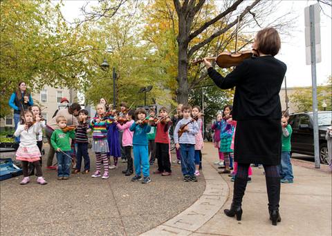 Cambridge Suzuki Violins Flashmob  Flash