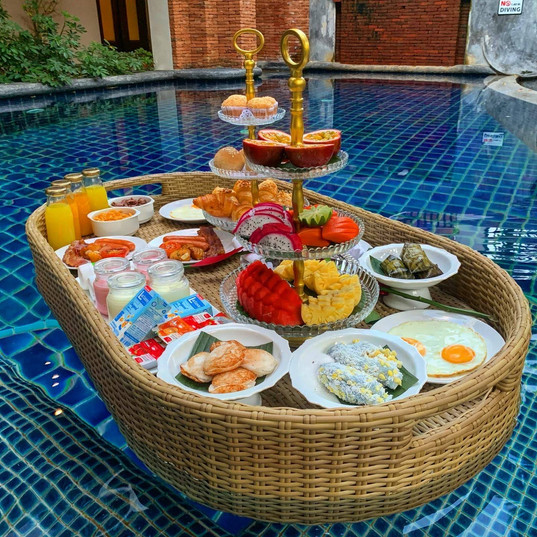 Floating breakfast, Koh Samui