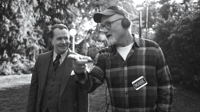 "David Fincher directs Gary Oldman in ""Mank"""