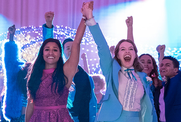 Jo Ellen Pellman and Ariana DeBose in The Prom