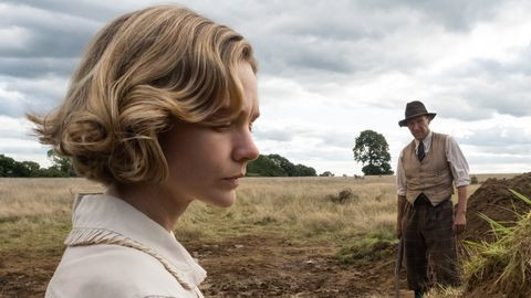 """Carey Mulligan and Ralph Fiennes in """"The Dig."""""""