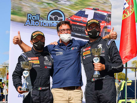 "Ralis: Equipa fafense PT Racing conquista ""Peugeot Rally Cup Ibérica""."