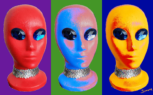 3 Aliens on a Face Mask