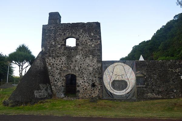 Monsieur Oh! Caverne des Hirondelles Île de la Réunion Reunion Island canettes upcycling art cans