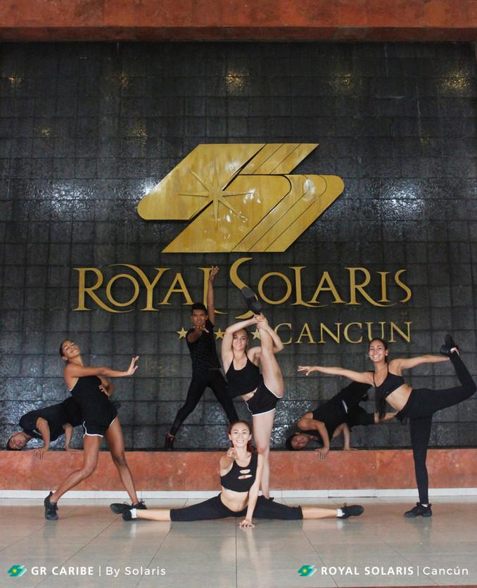 El equipo de bailarines de Royal Solaris Cancún, ¡con el alma en el escenario!