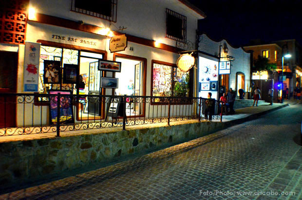 Walk, art, and culture at the Downtown in San José del Cabo!