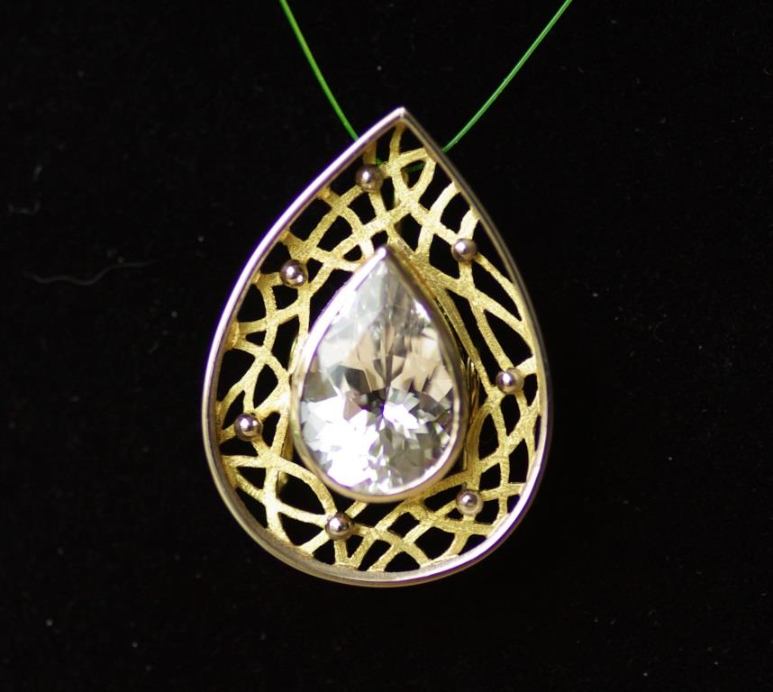 Lattice Tear Drop Pendant