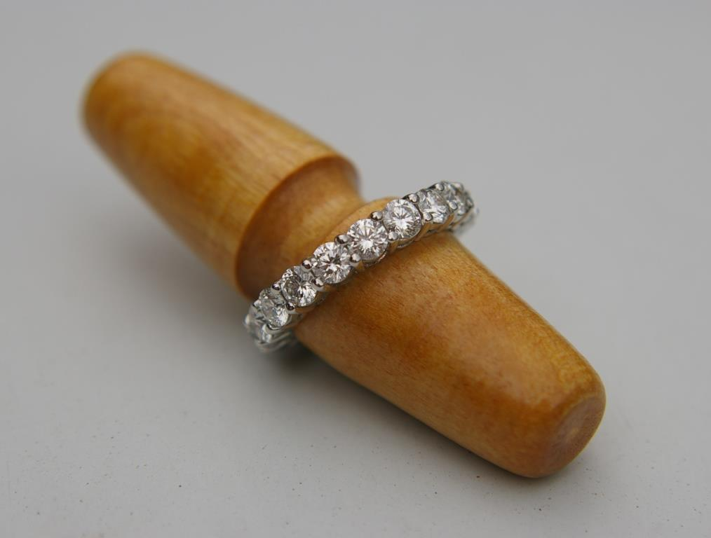 Diamond Claw-set ET Ring