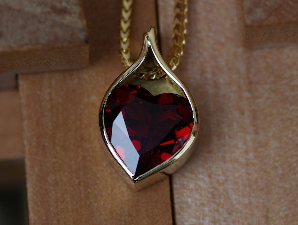 Bag Pendant with Garnet Heart