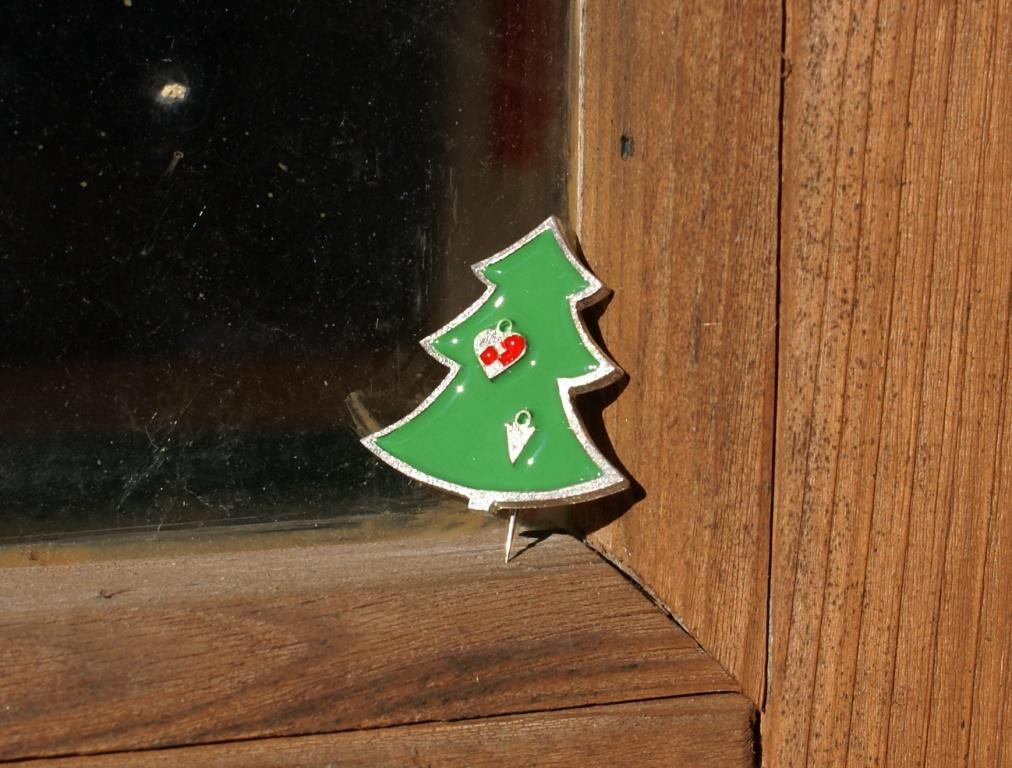 Christmas Tree Brooch(2 Decorations)