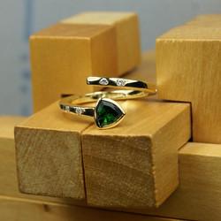 Open Mini Cross-over Ring