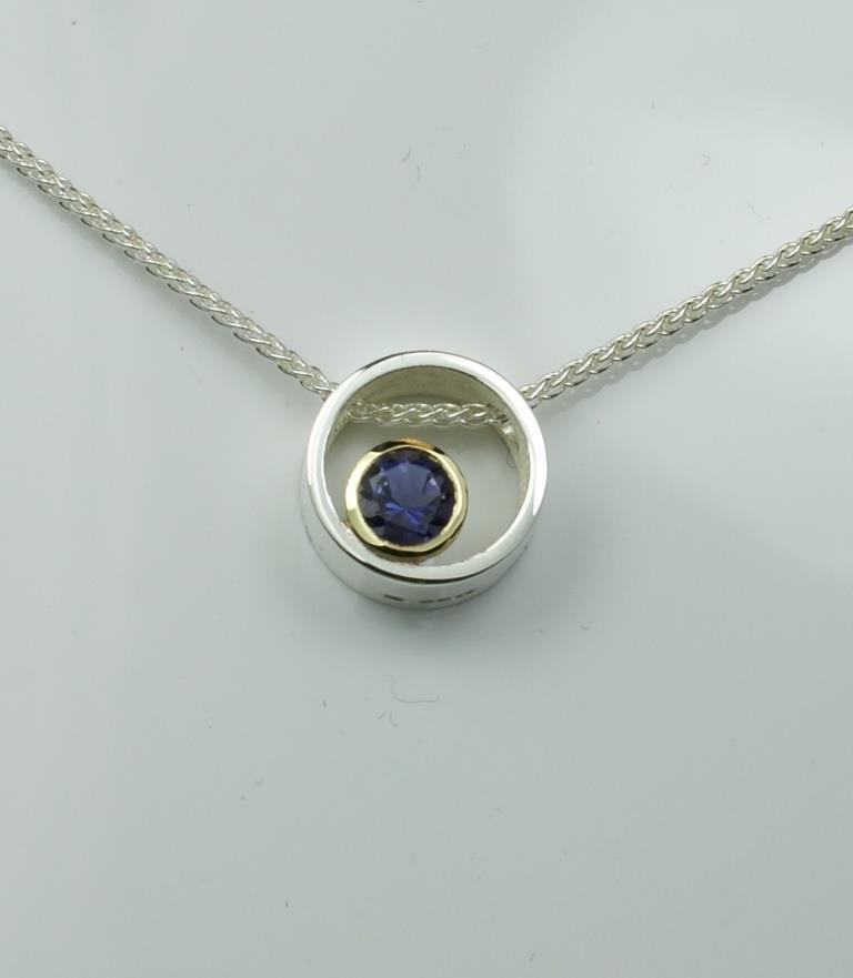 Circle & Dot pendant with Iolite