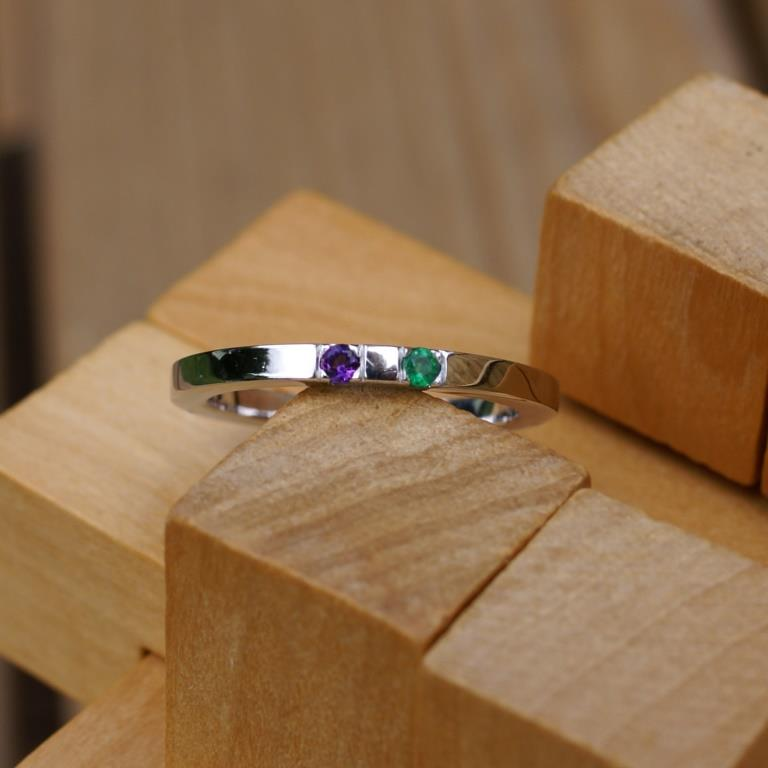 18ct White Gold Wheel ring w. stones