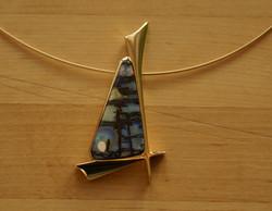 18ct Gold and Matrix Opal Pendant