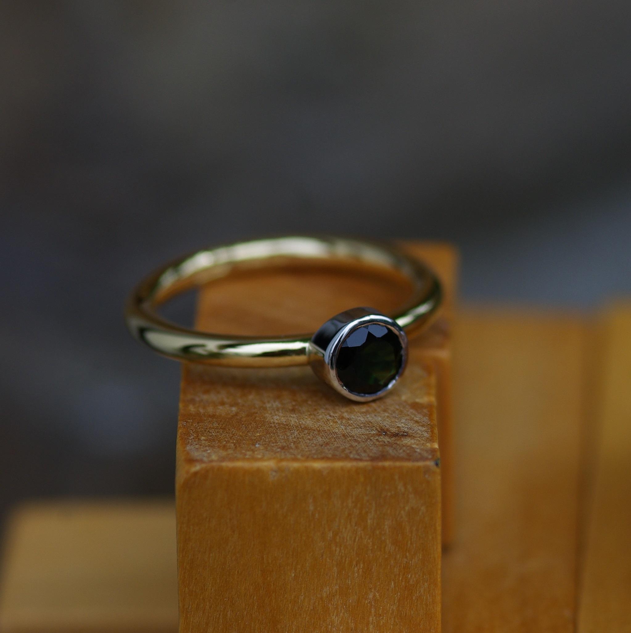 18ct Gold Mini Darleen Ring