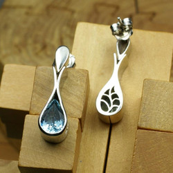 Bag Earrings with Aquamarines