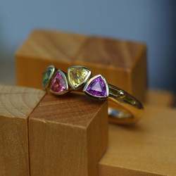 Tubular Ring with 4 Sapphires