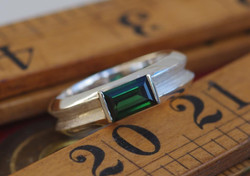 Large Double Band Ring w. Baguette