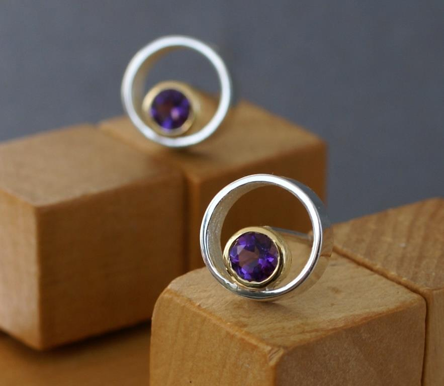 Circle & Dot earrings w. Amethysts
