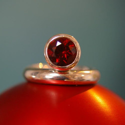 Charlie ring with 8mm Stone