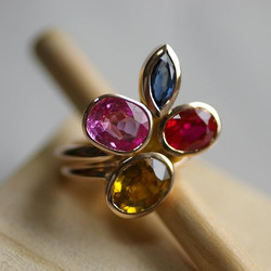 Double ring with 4 Stones