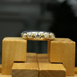 Double Ring with 5 Diamonds on Band