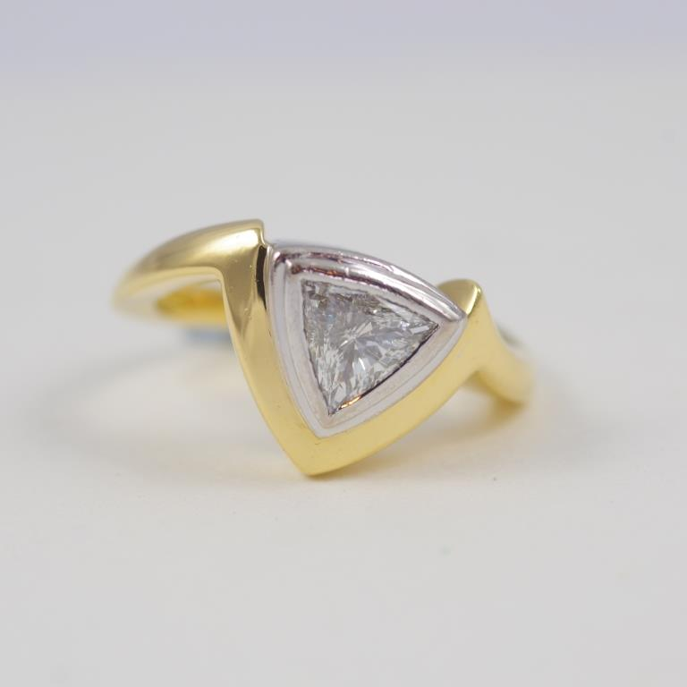 Gold Trilliant ring with Diamond
