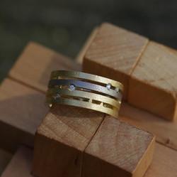 Quad Mini Straight-over Ring