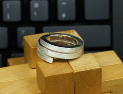 Double Cross-over Ring