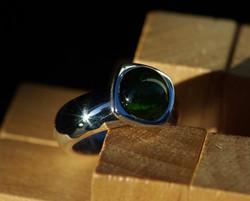 D-Ring w. Green Tourmaline