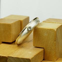 Charlie ring w. 2mm Princess cut Dia