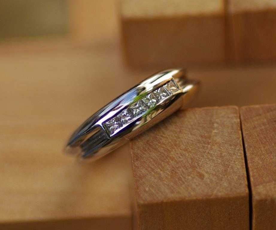 Double Ring with Princess-cut Dia.