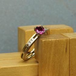 Pink Tourmaline & 2 Gold ring w. Dia