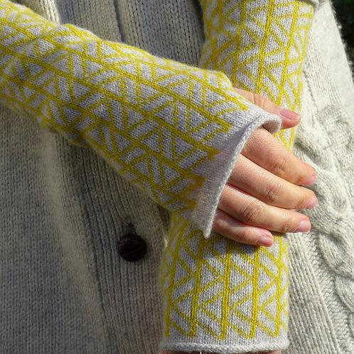 ZIG ZAG - TURMERIC - knitted fingerless mittens