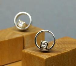 Circle & Square Earrings w. Diamonds