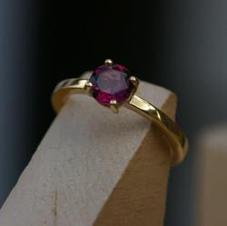 Wheel Ring with Rhodolite Garnet