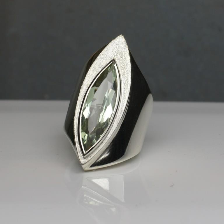 Silver Ring w. Green Amethyst