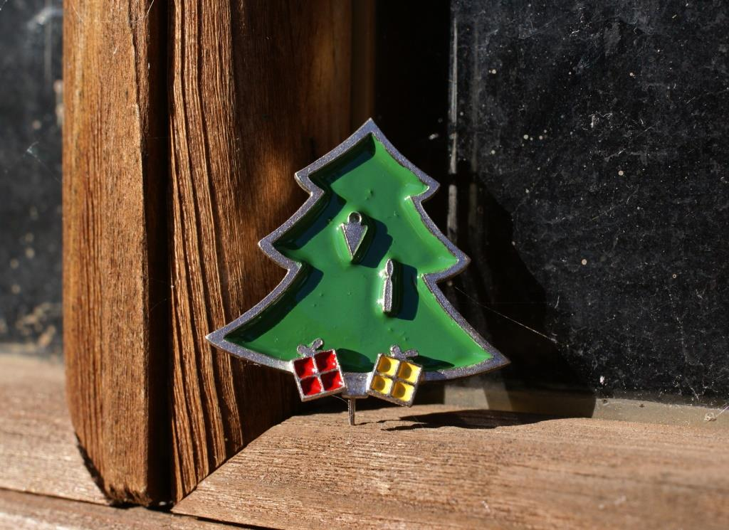 Christmas Tree Brooch(4 Decorations)