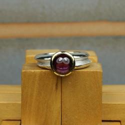 Double ring with Rhodolite Garnet