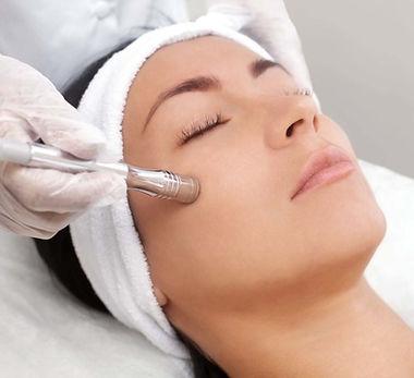 bigstock-The-Cosmetologist-Makes-The-Pr-216500317-model-1536x1024.jpg