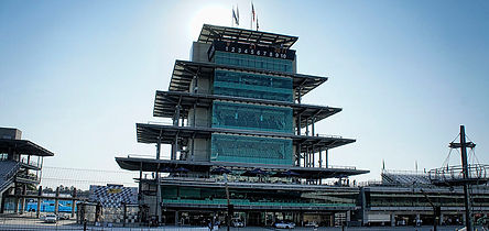 800px-Indianapolis_motor_speedway_pagoda