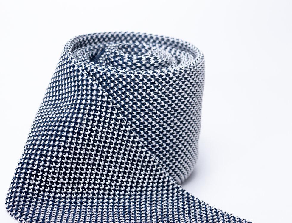 Cravatta in maglia blu e bianca