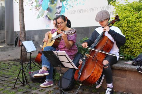 MUSICA EN EL PARQUE.JPG