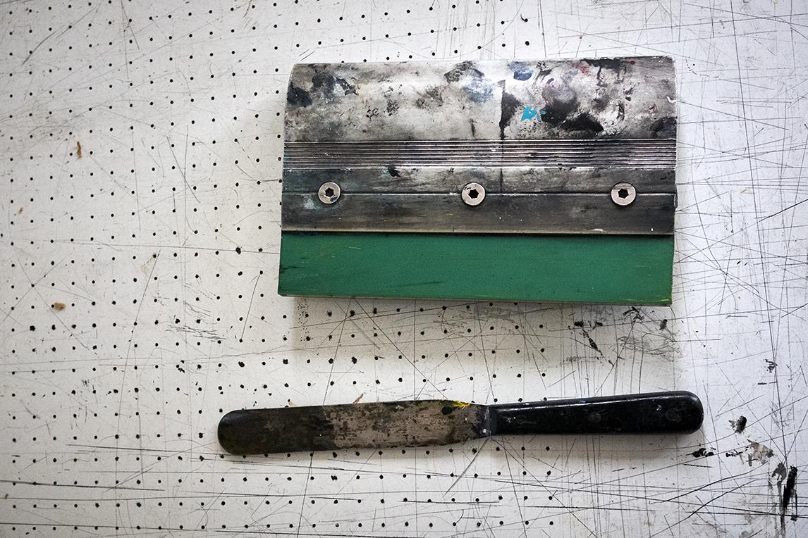 Hand finishing tools