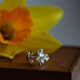 Daffodil Silver Tie Pin.jpg
