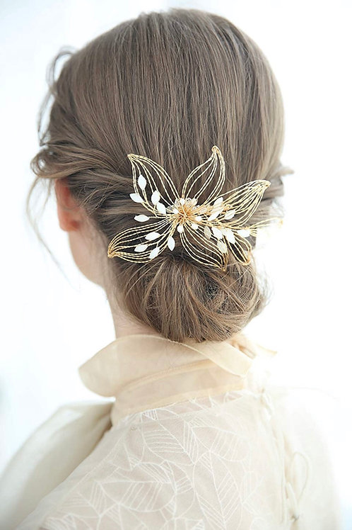 Gold + Pearl Floral Hair Comb