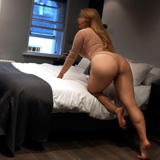 round bottom girl