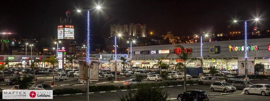 קישוטי תאורה למרכז מסחרי