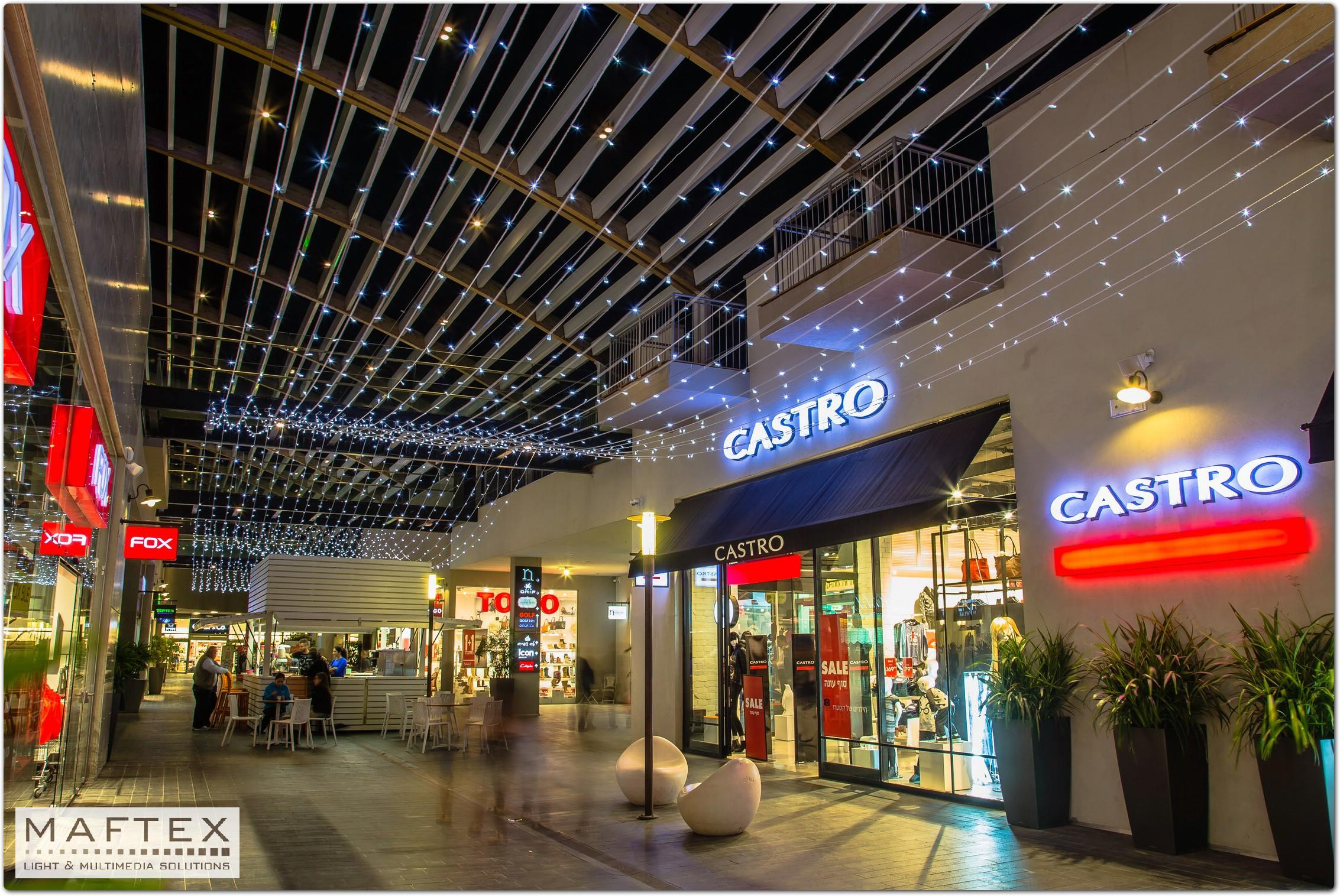 קישוטי תאורה לקניון.jpg