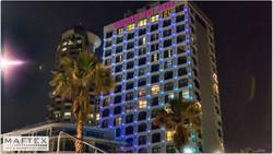 תאורה לחזית בית מלון